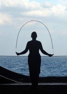 Cómo saltar a la cuerda como ejercicio de la forma correcta